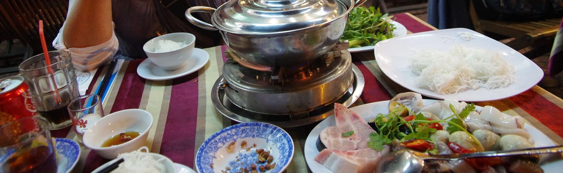 Saigon mit Kaffee und Feuertopf