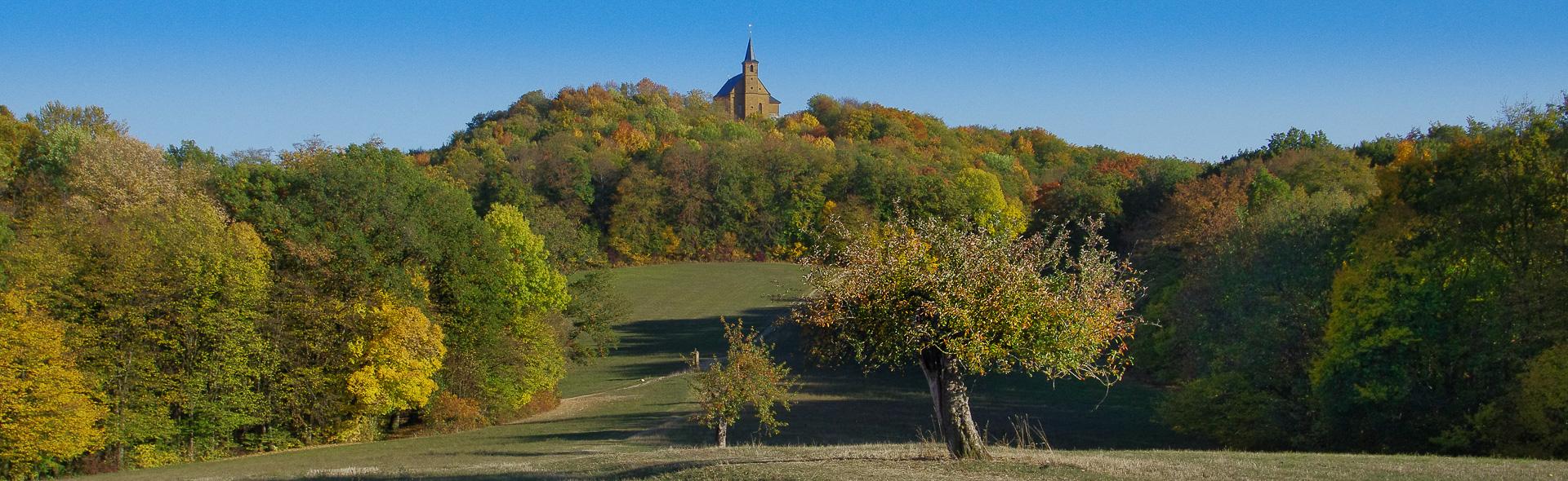 Herbstlicht auf dem Gügel und der Giechburg